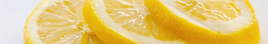 Drei Zitronenschreiben